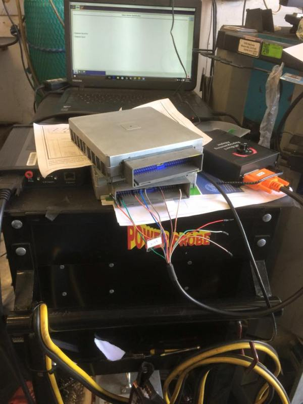 Off-board programming a PCM for a 2001 Ford Expedition